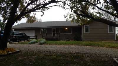 Winfield KS Single Family Home For Sale: $189,000