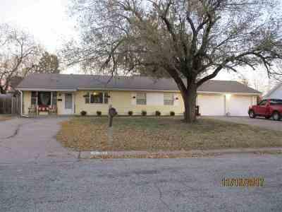 Wellington Single Family Home For Sale: 617 Morningside Dr
