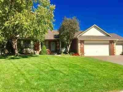 Wichita Single Family Home For Sale: 7926 W Meadow Pass Circle