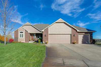 Valley Center Single Family Home For Sale: 4 Maple Ct