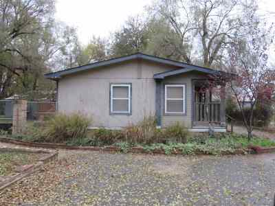Haysville Single Family Home For Sale: 204 W 95th St S
