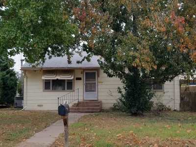 Wellington Single Family Home For Sale: 1323 N Olive St