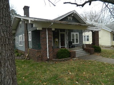 Winfield KS Single Family Home For Sale: $59,900