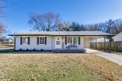 Mulvane Single Family Home For Sale: 410 N College Ave