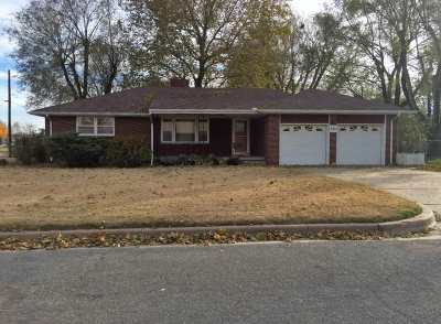 Wichita Single Family Home For Sale: 2915 W 15th St N