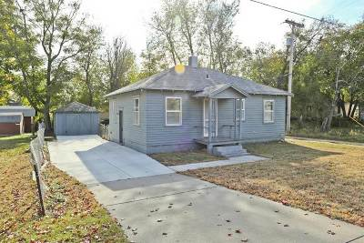 Wichita Single Family Home For Sale: 515 W Taft St