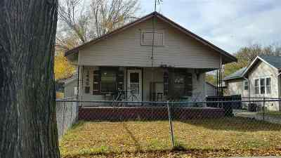 Wichita Single Family Home For Sale: 1445 S Waco Ave