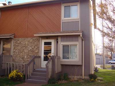 Wichita Condo/Townhouse For Sale: 1530 N Smith Cir Unit 501