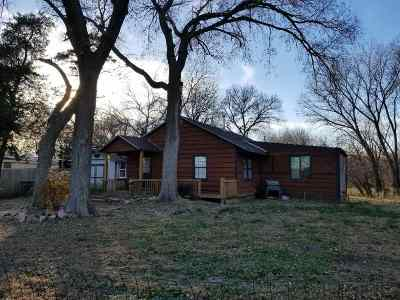 Belle Plaine Single Family Home For Sale: 955 N Broadway Rd