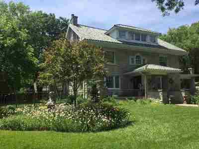 Wichita Single Family Home For Sale: 301 N Belmont