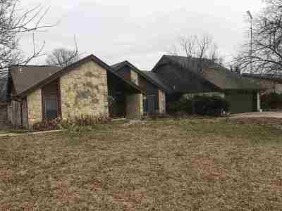 Arkansas City KS Single Family Home For Sale: $169,500