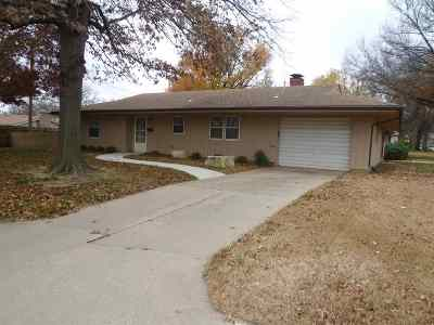 Winfield KS Single Family Home For Sale: $75,000