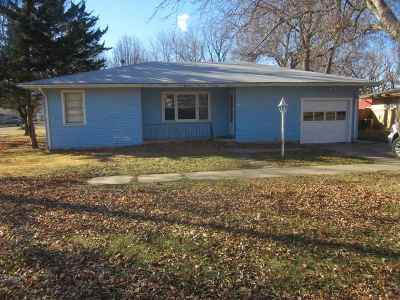Oxford Single Family Home For Sale: 503 N Illinois St