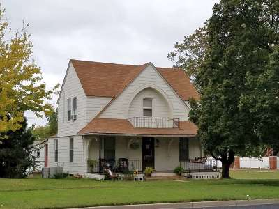 Wellington Single Family Home For Sale: 624 N Washington