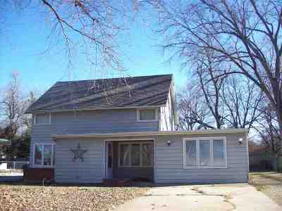Halstead Single Family Home For Sale: 220 Santa Fe