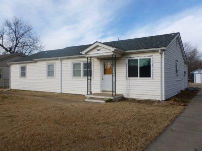 Newton Single Family Home For Sale: 1610 E 8th