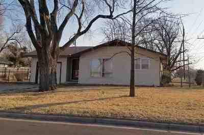 Wichita KS Single Family Home For Sale: $97,500