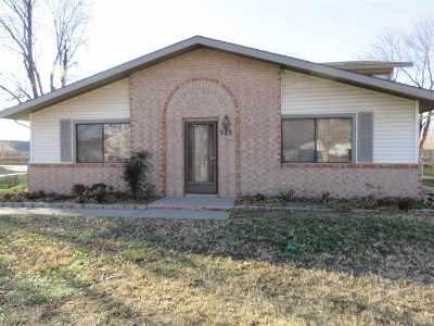 Wichita KS Condo/Townhouse For Sale: $65,000
