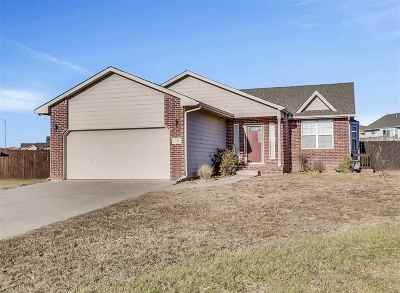 Andover Single Family Home For Sale: 746 S Cherrywood Ct.