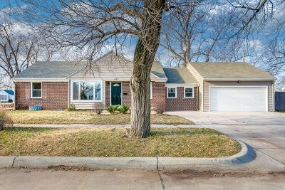 Wichita Single Family Home For Sale: 1121 S Schweiter Drive