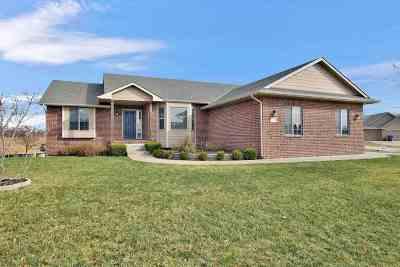 Wichita Single Family Home For Sale: 1306 S Horseback Ct
