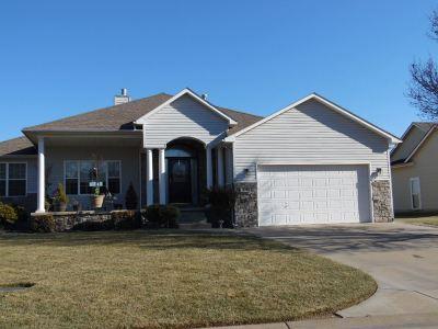 Mulvane Single Family Home For Sale: 828 N Saddle Run St