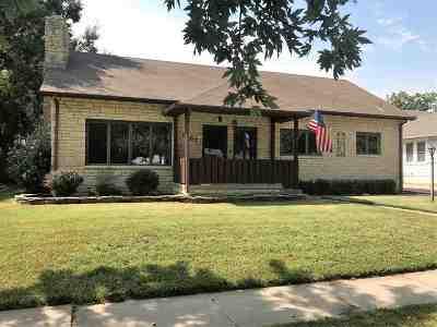 Arkansas City Single Family Home For Sale: 1107 N A Street