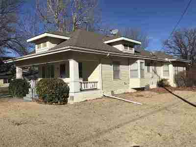 Moundridge Single Family Home For Sale: 112 W Pack