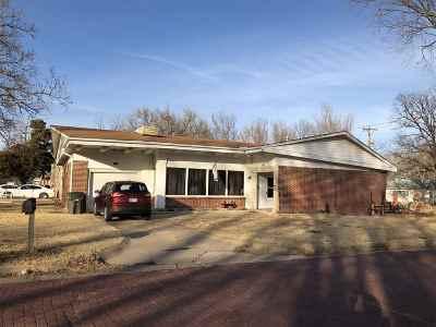 Arkansas City KS Single Family Home For Sale: $47,500