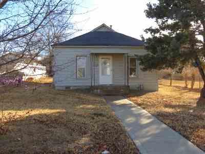 Wellington Single Family Home For Sale: 518 Harvey Ave
