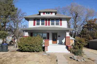 Newton Single Family Home For Sale: 504 SE 4th