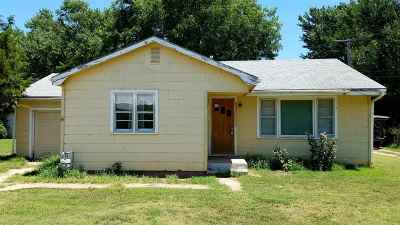 Haven Single Family Home For Sale: 204 S Topeka Ave