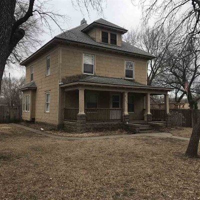 Sedgwick Single Family Home For Sale: 609 N Garfield Ave