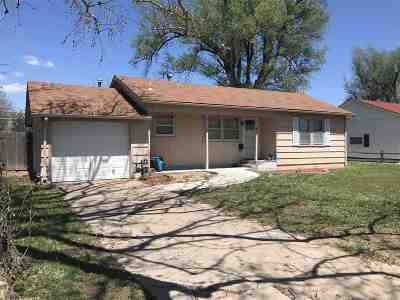 Hutchinson Single Family Home For Sale: 612 16th Terrace