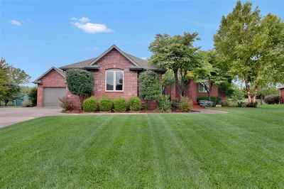 Wichita Single Family Home For Sale: 3139 N Den Hollow St