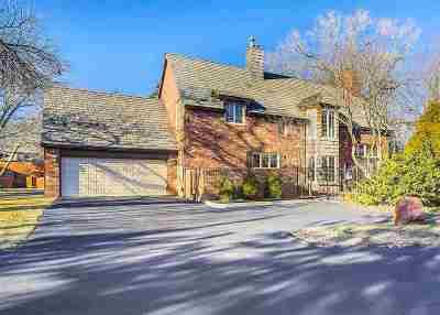 Wichita Single Family Home For Sale: 8905 E Douglas