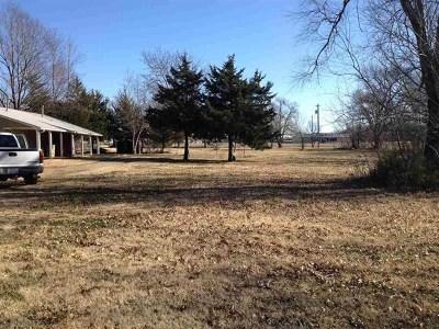 Douglass Single Family Home For Sale: 628 S Elm St