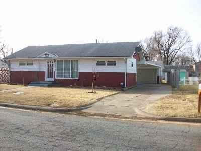 Arkansas City KS Single Family Home For Sale: $92,000
