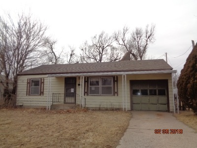 Hutchinson Single Family Home For Sale: 21 Halsey