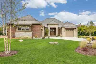Wichita Single Family Home For Sale: 2105 N Veranda