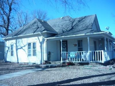 Hesston Single Family Home For Sale: 224 E Knott