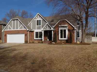 Wichita Single Family Home For Sale: 12016 W Briarwood Cir.