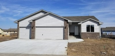 Maize Single Family Home For Sale: 612 S Horseshoe Bend St