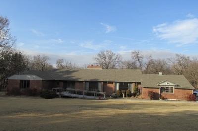 Arkansas City KS Single Family Home For Sale: $254,900