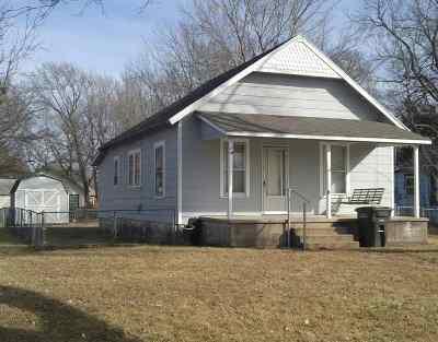 Arkansas City KS Single Family Home For Sale: $32,500