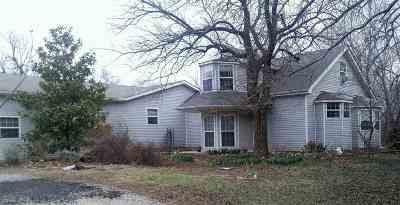 Arkansas City KS Single Family Home For Sale: $162,000