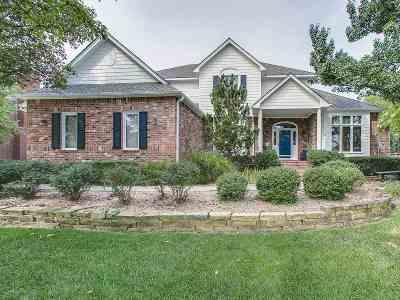 Wichita Single Family Home For Sale: 1021 N Woodridge Dr