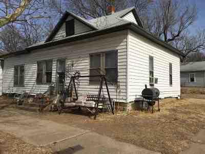 Arkansas City KS Single Family Home For Sale: $25,000