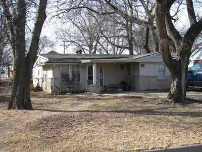 Derby Single Family Home For Sale: 425 N Kokomo Ave