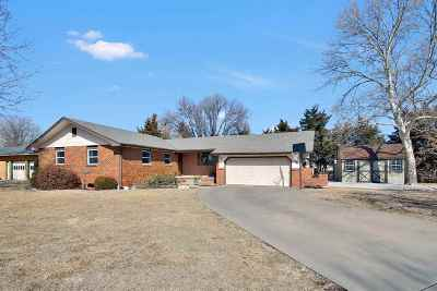 Newton Single Family Home For Sale: 623 Sherman Dr